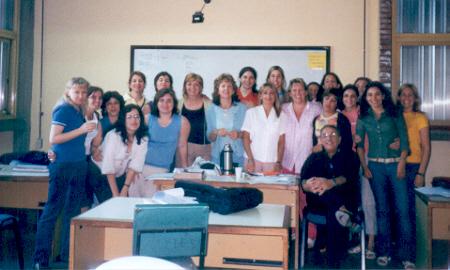Grupo de Docentes y Alumnos del curso de post-grado en sexualidad humana organizado por ASEL en el año 2004