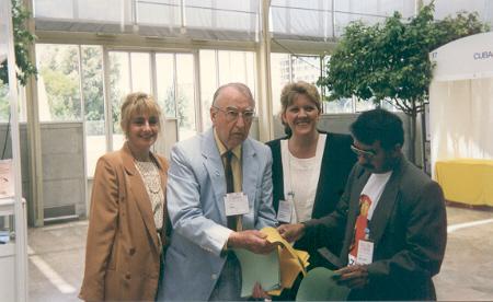 En el Palacio de la Música - Valencia - España 29 de julio de 1997 en el Congreso Mundial de Sexología junto al Dr. John Money